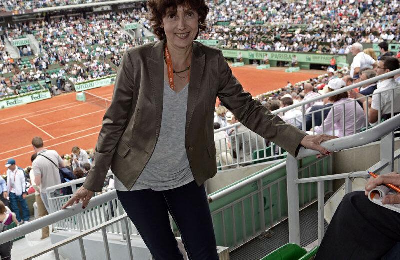 Virginia Ruzici, în acest an, la Roland Garros, pe terenul Philippe Chatrier