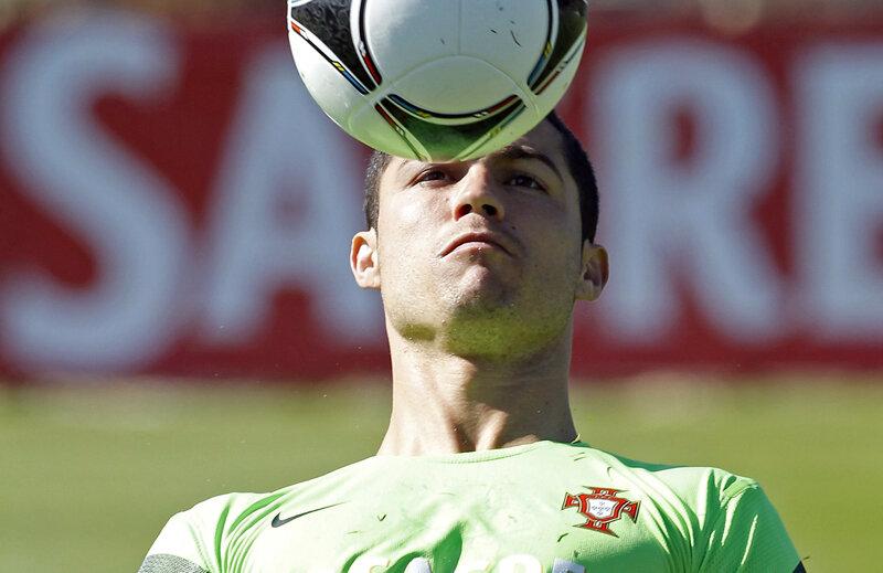 După meciurile cu Portugalia de la Euro, Ronaldo ar putea juca pe Naţional Arena contra lui Dinamo