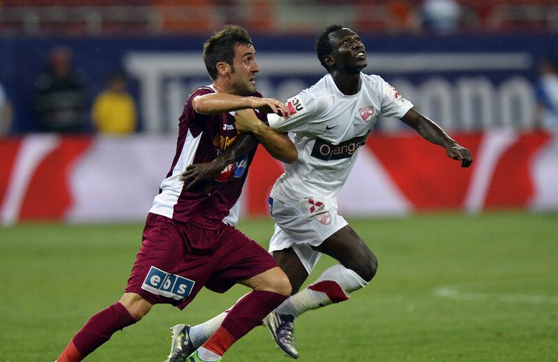 Boubacar (dreapta) a făcut un meci foarte bun la debutul său la Dinamo