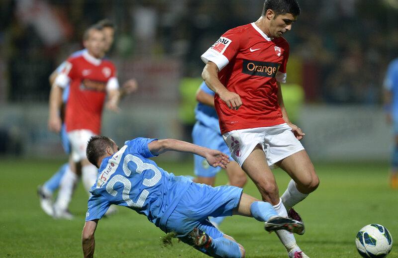 Relaţia între Luchin şi Bonetti s-a răcit în primăvară, cînd apărătorul a mărturisit că antrenorul i-a făcut pe jucători în vestiar