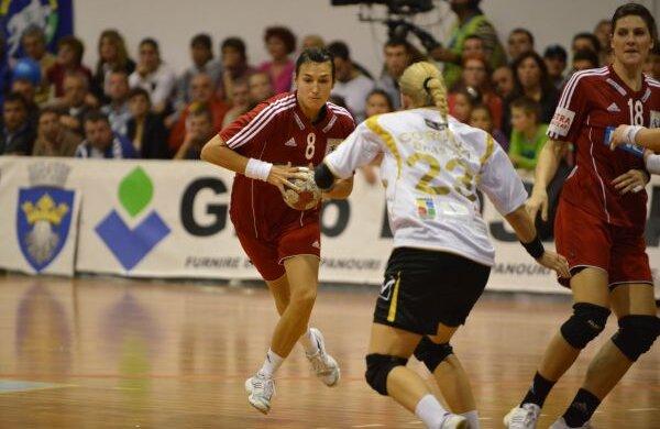 Cristina Neagu (24 de ani) a fost desemnată de IHF cea mai bună jucătoare din lume în 2010 Foto: Bogdan Bălaş (Braşov)