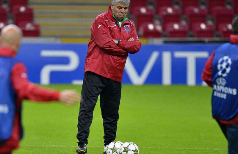 Andone (52 de ani) are în palmares două titluri cu CFR, în 2008 şi în 2012