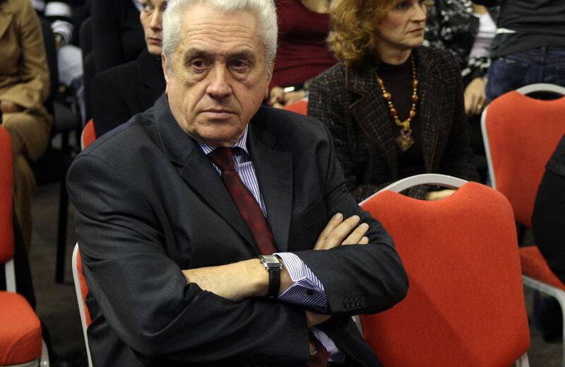 Nicolae Mărăşescu explică de ce nu s-a mai acordat premiul în acest an.