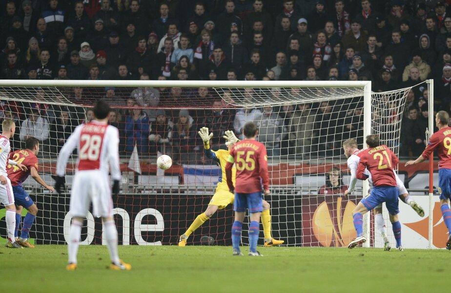 Alderweireld a deschis scorul cu o lovitură de cap.