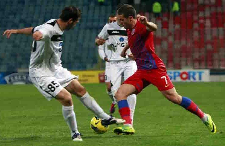 La ultimul meci pe terenul Stelei, în primăvara lui 2012, Gaz Metan a scos un 0-0, rezultat în urma căruia Ilie Stan a fost demis