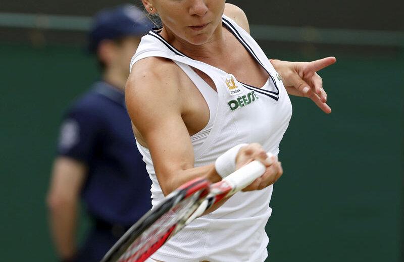 Simona Halep s-a oprit pentru a treia oară în carieră în turul secund la Wimbledon, după 2010 şi 2011 // Foto: Reuters