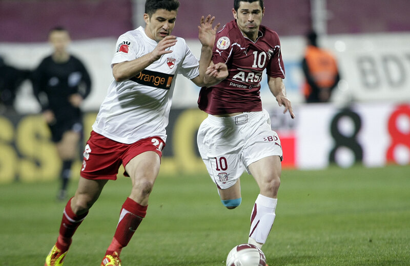 În vara lui 2007, cînd l-a cumpărat de la FC Național, Rapidul a plătit un milion de euro pe Herea