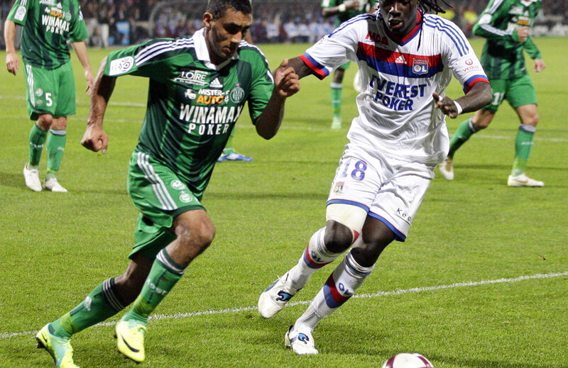 Bănel (stînga) are contract la St. Etienne pînă în 2014, cu 450.000 de euro salariu anual // Foto: Reuters