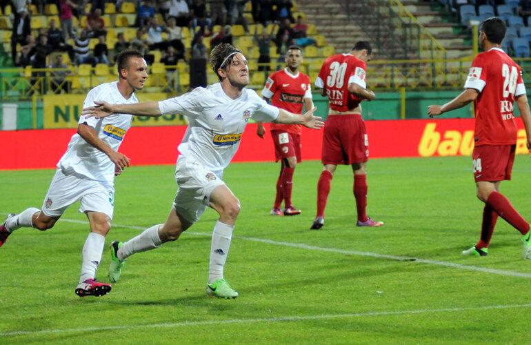 Antal celebrează o reuşită obţinută chiar în poarta lui Dinamo