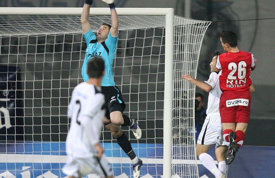 Pleșca a mai jucat în prima divizie la Progresul și la Poli Iași