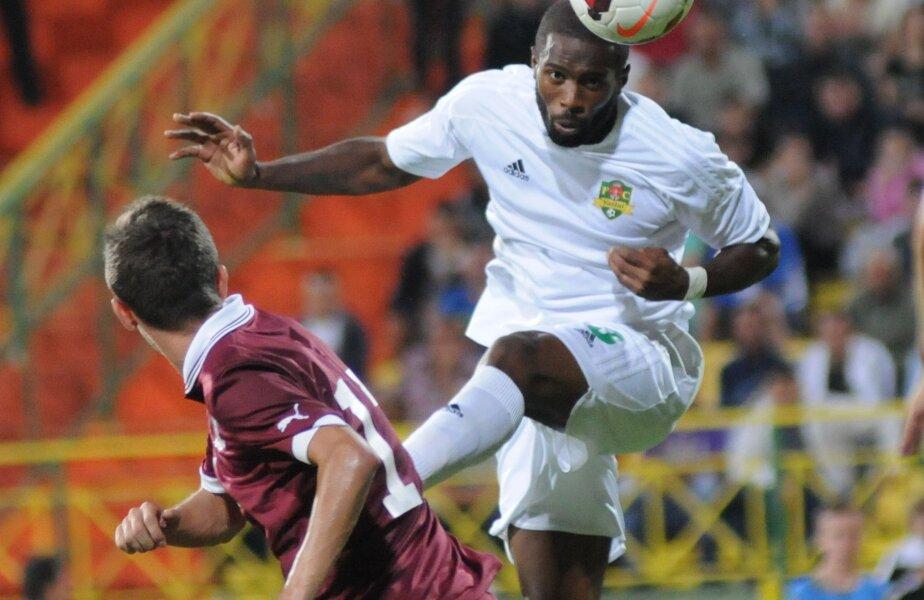 Pînă să vină în Ghencea, Varela se transferase de alte 3 ori, mereu din postura de jucător liber