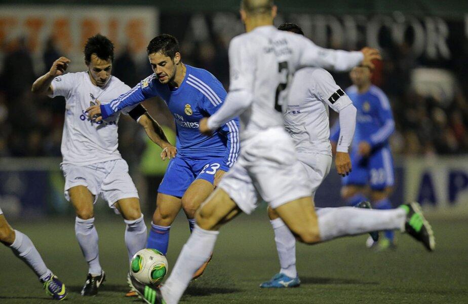 Isco (albastru) a fost unicul madrilen care a jucat bine sîmbătă