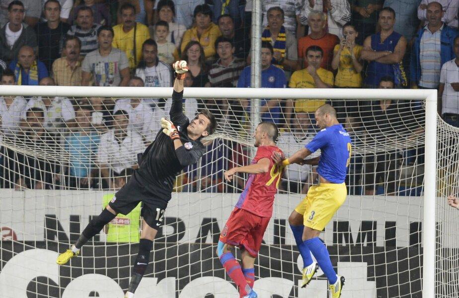 Tătăruşanu, care va împlini în februarie 28 de ani, a cîştigat cu Steaua 3 trofee: titlul, Cupa şi Supercupa României