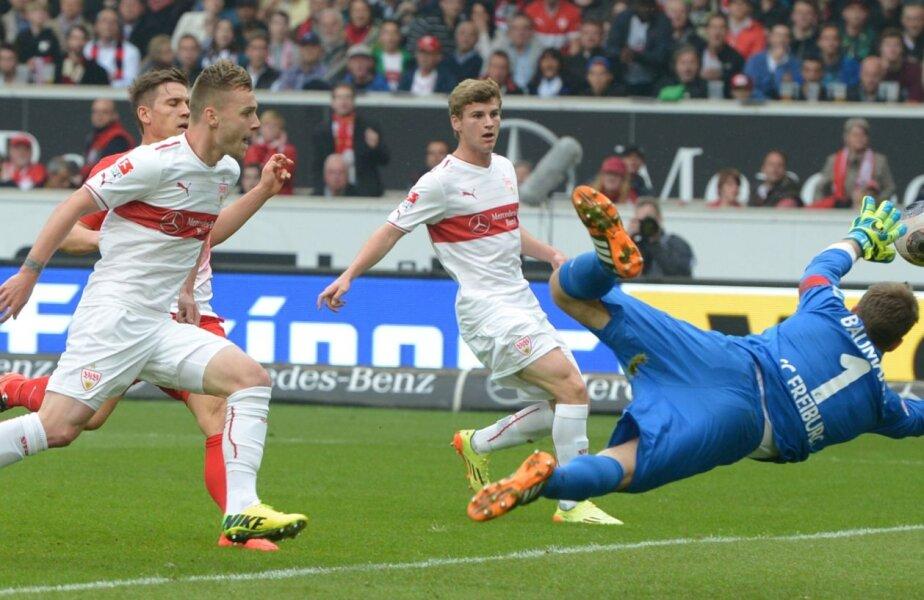 Maxim, stînga, deschide scorul pentru VfB cu Freiburg (2-0). Va da și pasa decisivă la golul doi