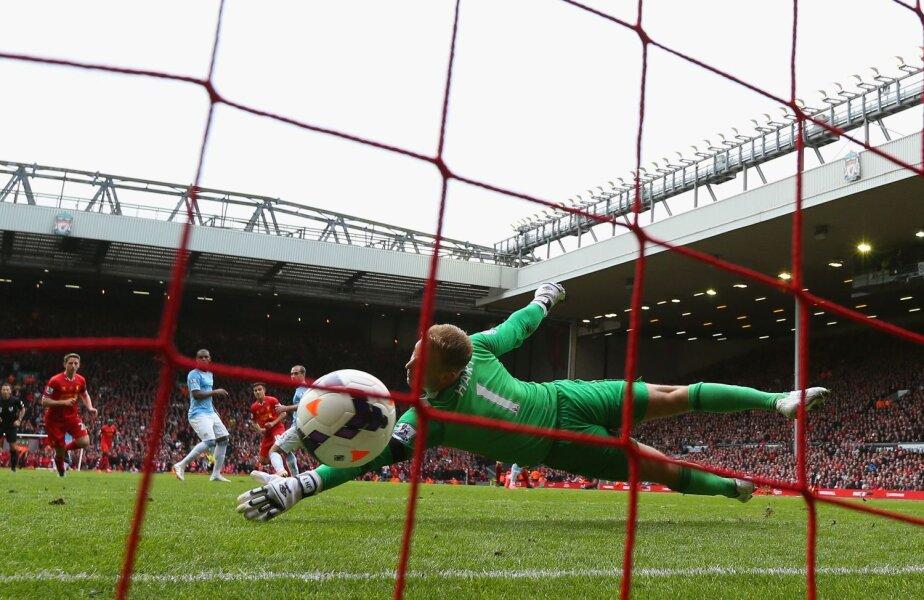 Hart n-are nici o șansă la șutul plasat al lui Coutinho și va fi 3-2 pentru Liverpool // Foto: Gulliver/GettyImages