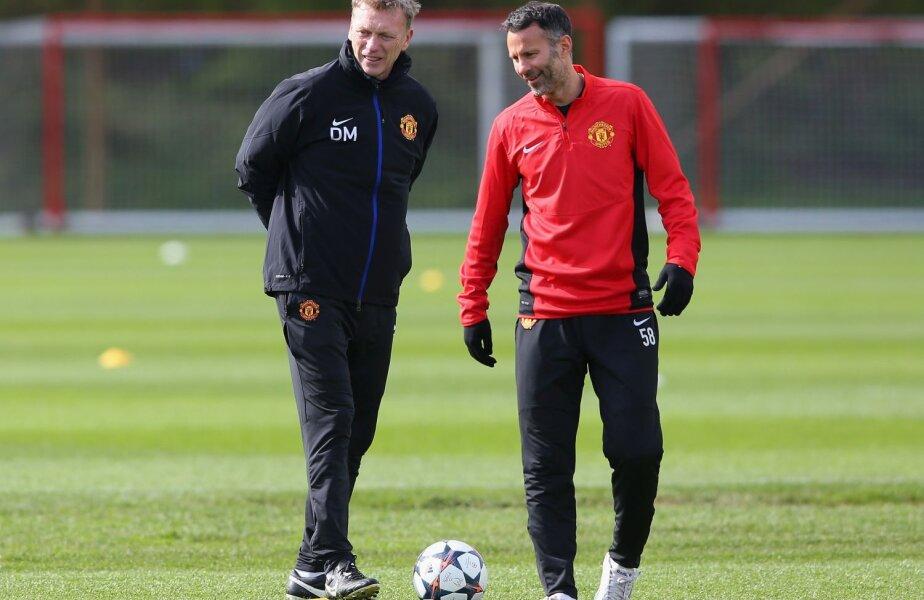 Ex-managerul Moyes (stînga) și veteranul Giggs ori trecutul întunecat alături de prezentul efemer al lui Man. United // Foto: Reuters
