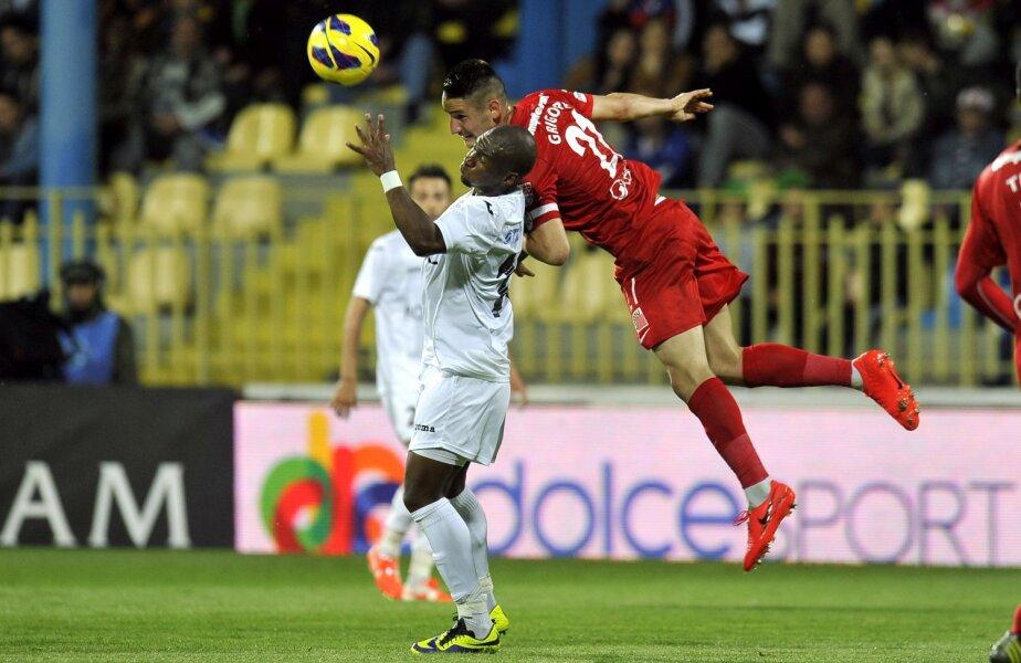 Dragoș Grigore (în roșu) a făcut cel mai slab meci al său în 2014