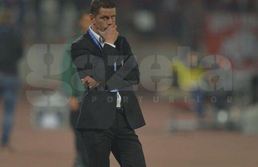 Stoican i-a urmat lui Gigi Mulțescu la Dinamo, preluînd echipa de pe locul 12 și ducînd-o pînă pe 4