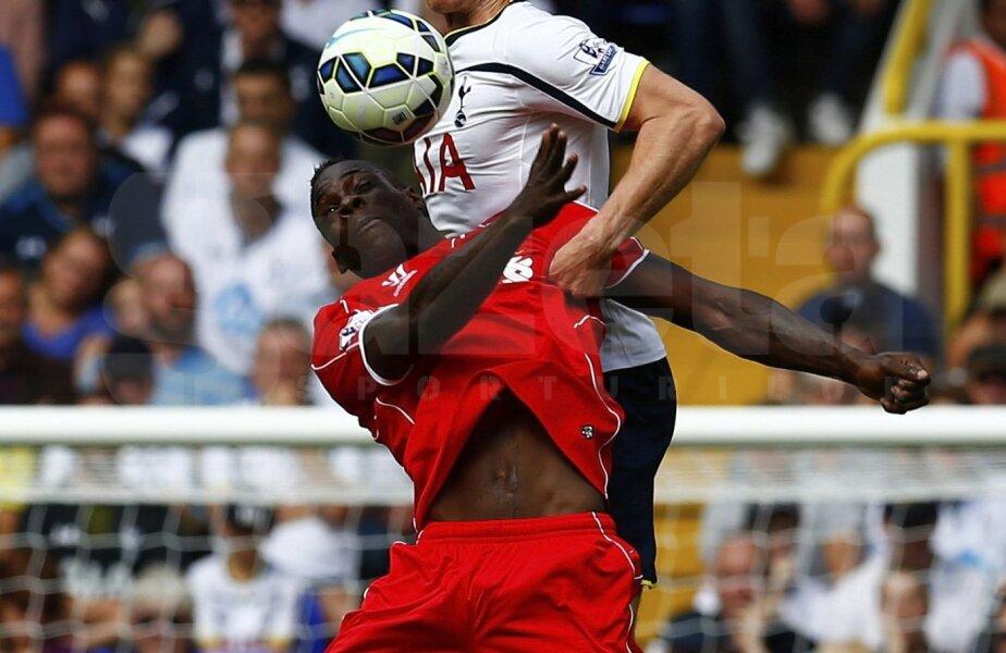 Balotelli, aici în duel cu Vertonghen, n-a fost în apele lui la debutul pentru Liverpool. L-au salvat însă Sterling, Gerrard și Moreno