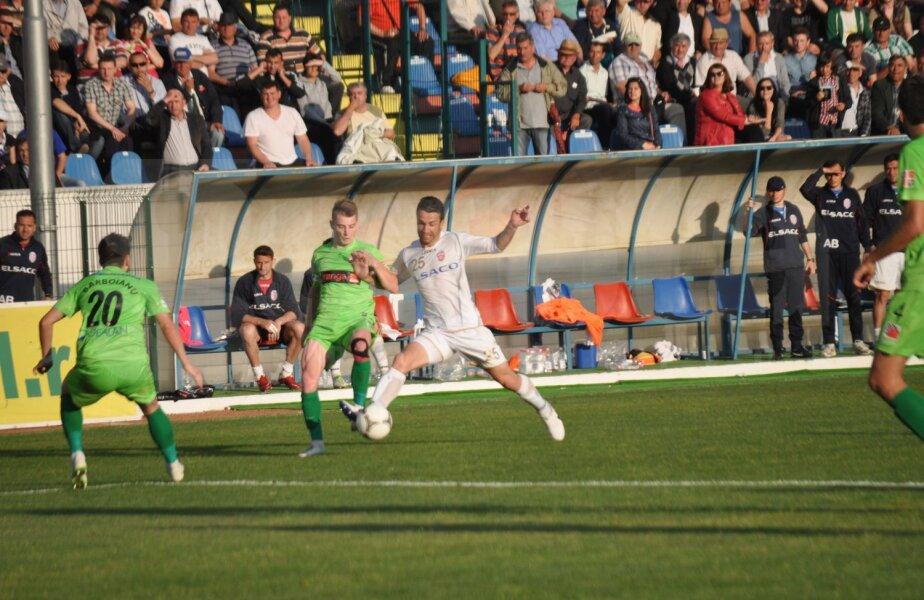 2 meciuri au mai jucat cele două echipe în Liga 1, sezonul trecut, cînd Dinamo a cîştigat ambele întîlniri, 1-0 în Ştefan cel Mare şi 2-1 la Botoşani.