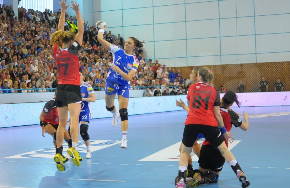 Eliza Buceschi a marcat de 6 ori contra bucureştencelor, fiind principala marcatoare a gazdelor // Foto: emaramureş.ro