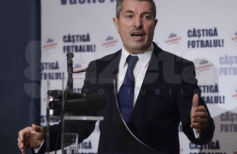 Avram a condus CCA din iunie 2010 pînă în noiembrie 2011