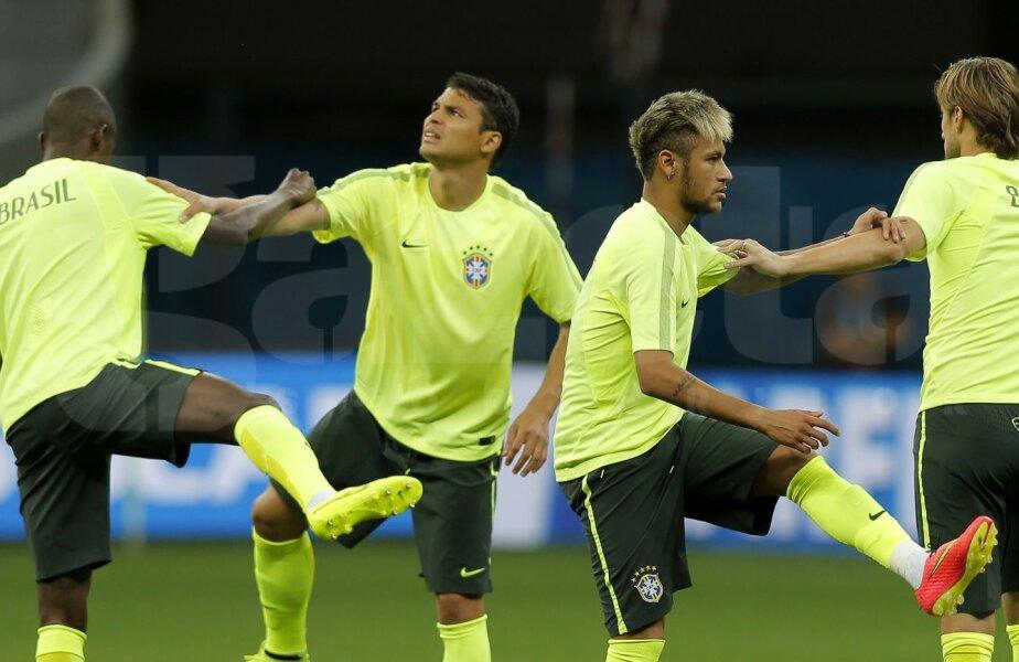 Și la antrenamente, Thiago Silva par să se evite și să abordeze subiecul delicat