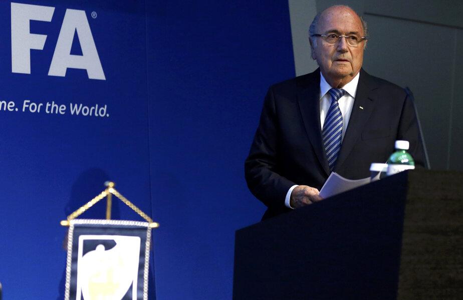 Blatter, aseară, la ultima conferinţă ca preşedinte FIFA. Deprimat! // Foto: Reuters