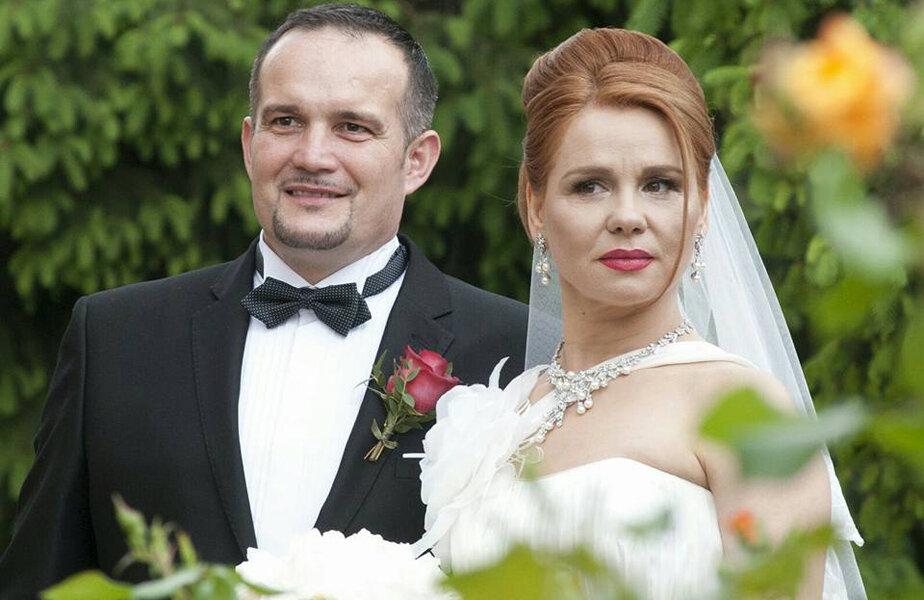 Ionuţ şi Otlia i-au avut naşi pe Laura Badea Cîrlescu, fosta campioană olimpică la scrimă, şi soţul acesteia, Adrian Cîrlescu