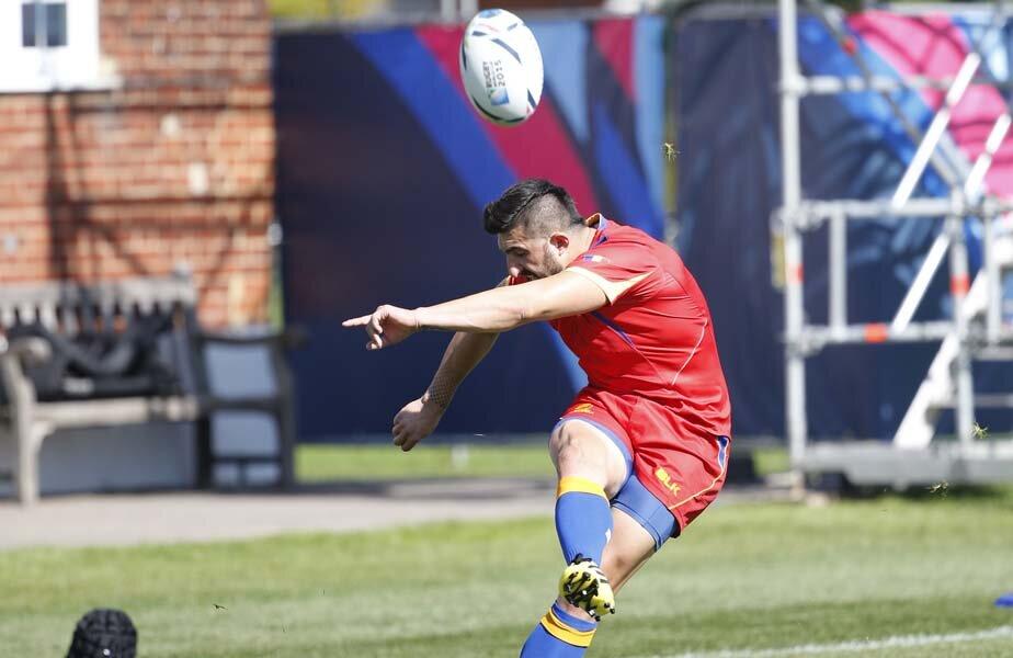 Florin Vlaicu a exersat şi la antrenamentul de ieri loviturile de pedeapsă // Foto: Cristi Preda (Londra)