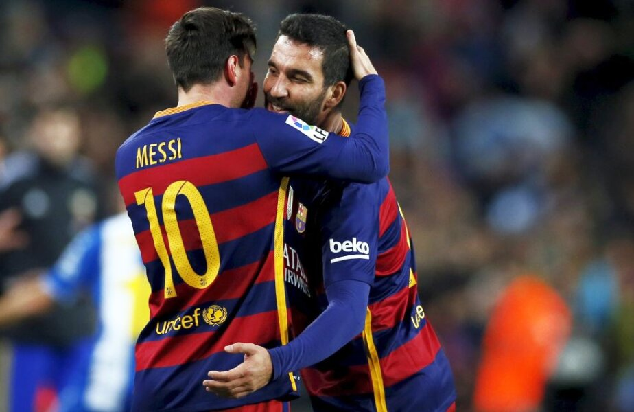 Lionel Messi și Arda Turan, foto: reuters