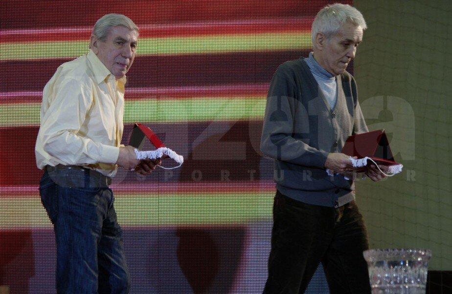 Teofil Codreanu, dreapta, alături de Nicolae Lupescu, la Gala Rapid din 2013
