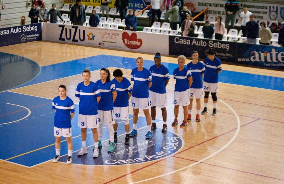 La ultimul meci, cu Arad, în weekend, imnul s-a cîntat la Alba Iulia foto: Cosmin Stanciu / facebook CSU Alba Iulia
