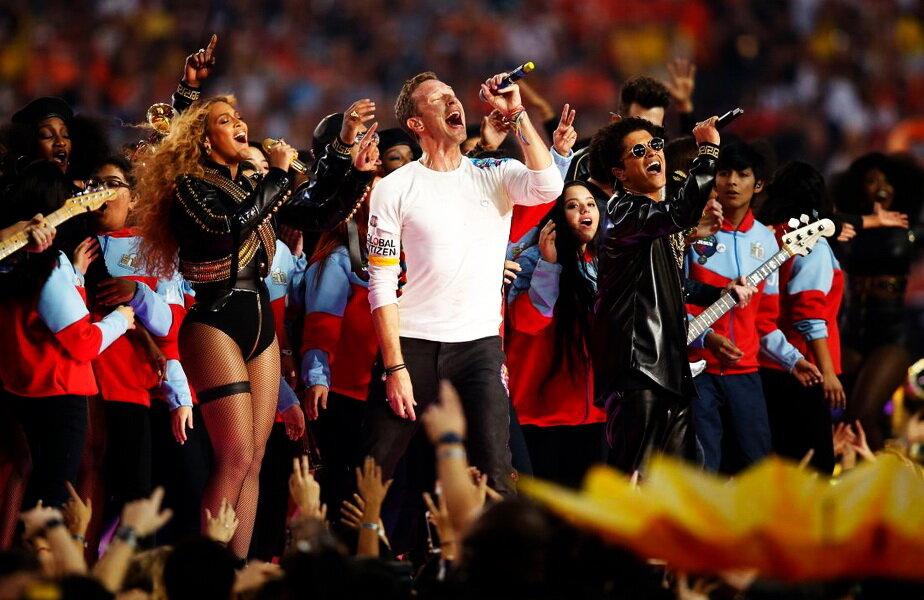 Spectacol nemaivăzut la Super Bowl ► Foto: time.com