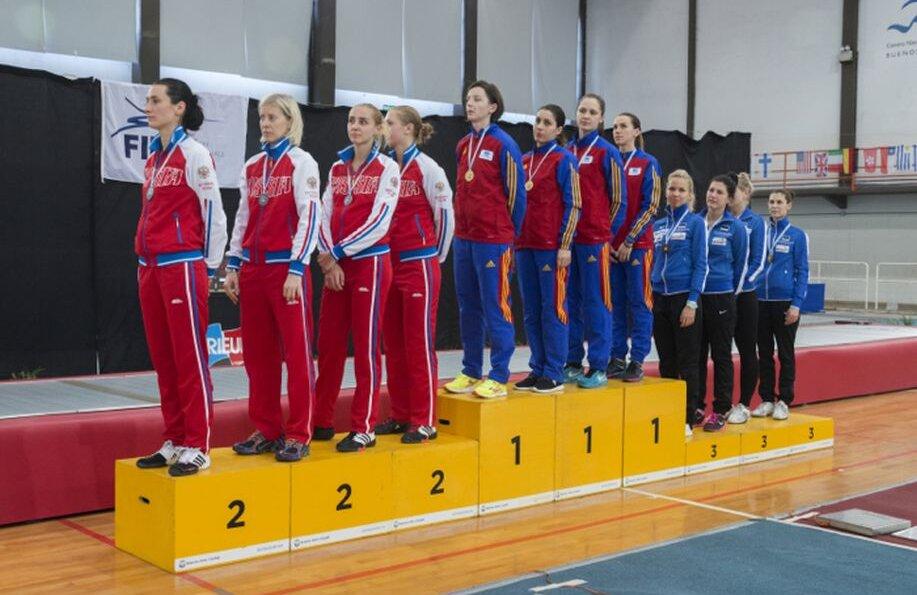 Echipa României pe podium în Argentina, încadrată de Rusia și Estonia