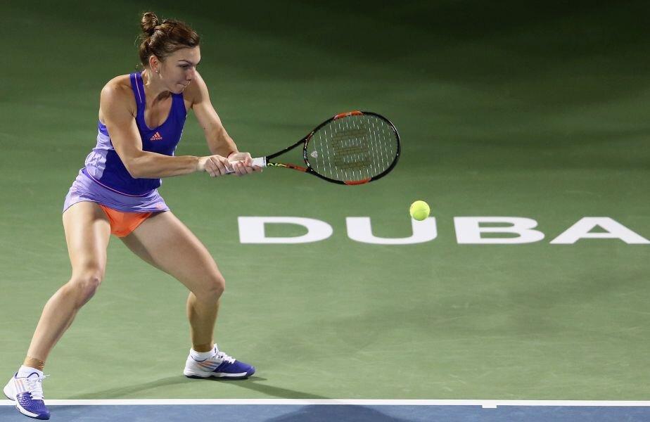 Simona Halep a cucerit anul trecut, la Dubai, trofeul cu numărul 10 al carierei // FOTO: Guliver/GettyImages