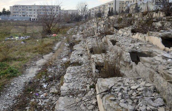 Așa arată acum stadionul Danubiana, unde totul este o ruină, foto: Raed Krishan/GSP