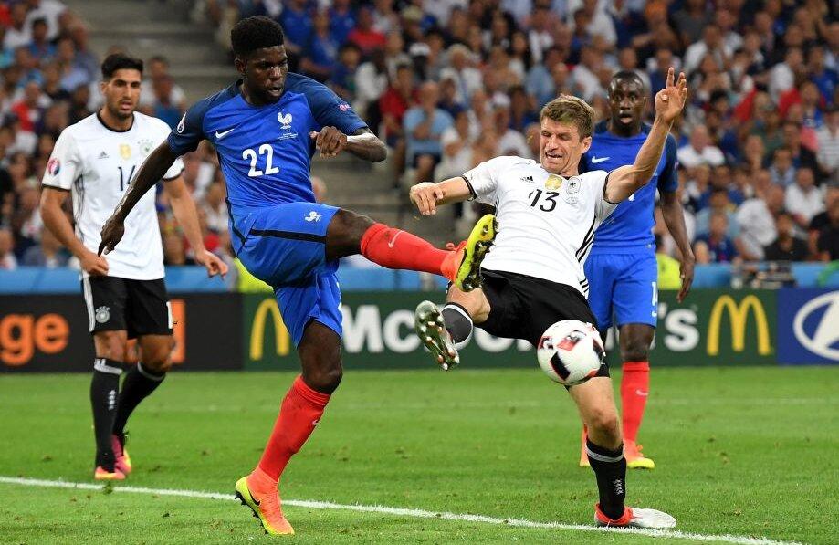 Neamțul Muller (dreapta) este jucătorul care a atins mingea în careu de cele mai multe ori (44). Rezultat: 0 goluri // FOTO Guliver/GettyImages