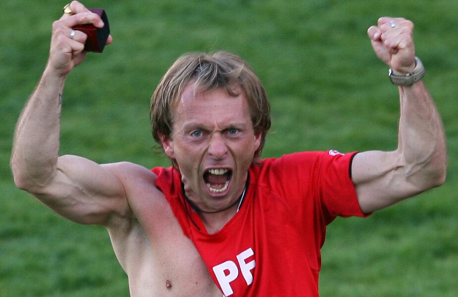 La 43 de ani, Potocnik arată fizic mai bine decât mulți dintre jucătorii pe care-i pregătește