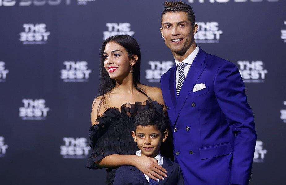 Georgiana Rodriguez, alături de Ronaldo și fiul său.