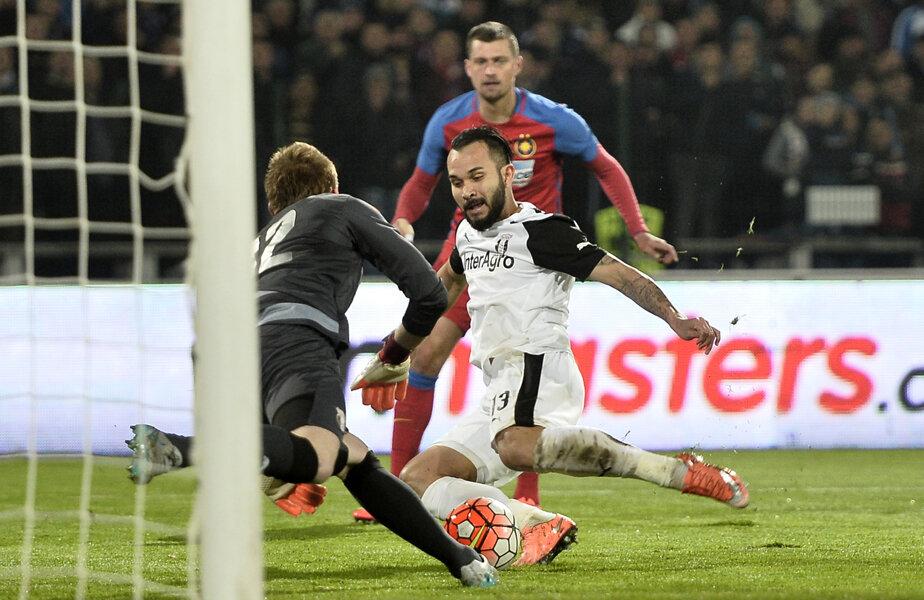 Junior Morais a jucat de două ori împotriva Stelei în acest sezon, având de fiecare dată o evoluţie mediocră, fiind notat cu 5 în Gazetă