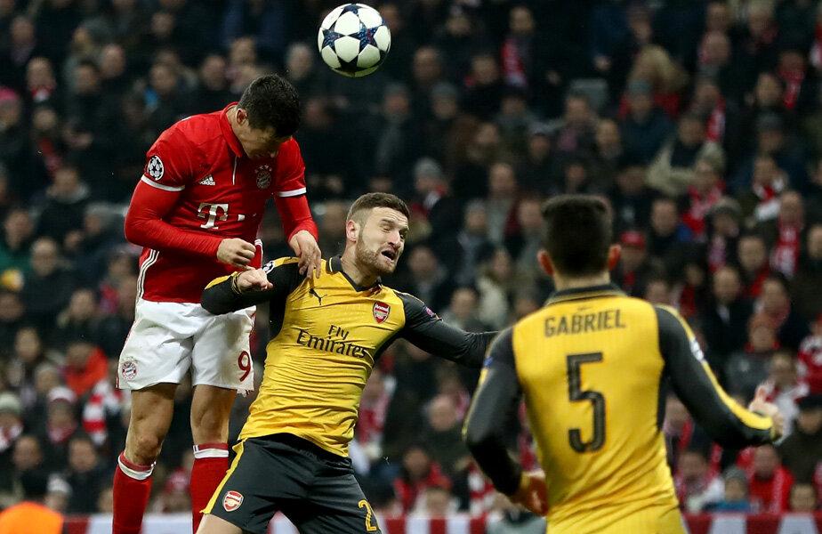 Lewandowski e ca un avion pe lângă Mustafi la golul de 2-1 // FOTO Guliver/GettyImages