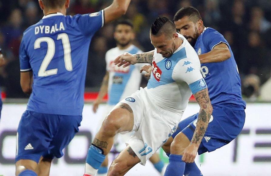 Hamsik, 29 de ani, dreapta, a bifat 3.631 de minute în acest sezon, reușind 14 goluri și 13 assisturi în 45 de meciuri la Napoli, foto: reuters