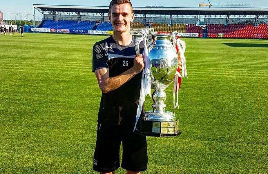 Gabriel Deac și trofeul Cupei României