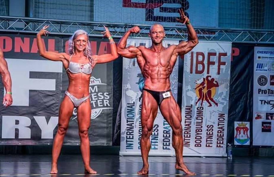 Cristi Berciu alături de soția sa la un concurs pe perechi