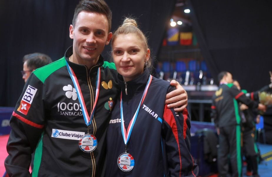 Dana Dodean-Monteiro și soțul ei, Joao, ambii cu medalii europene la gât FOTO ittfworld