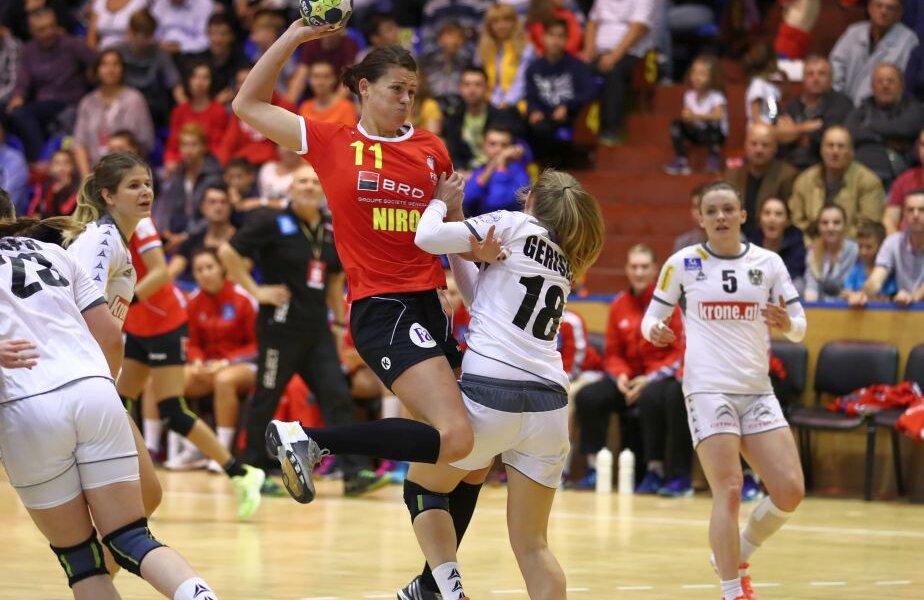Gabriela Perianu într-un duel în meciul cu Austria