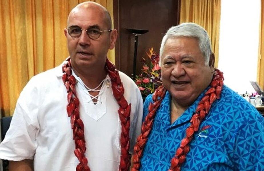Andreass Bodo (stânga), lectorul prezent la Brăila, a fost contactat de Gazetă prin mail. Nu a răspuns nici uneia dintre întrebări