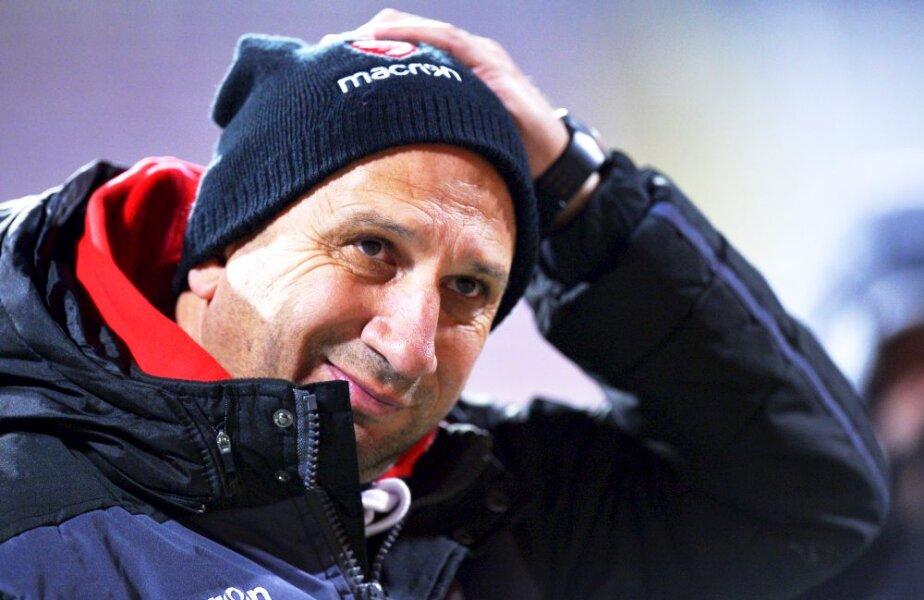O căciulă prea mare. Miriuță continuă să se facă de râs pe banca lui Dinamo, 0-4 cu Viitorul, și play-off-ul pare o himeră, foto: Cristi Preda/GSP