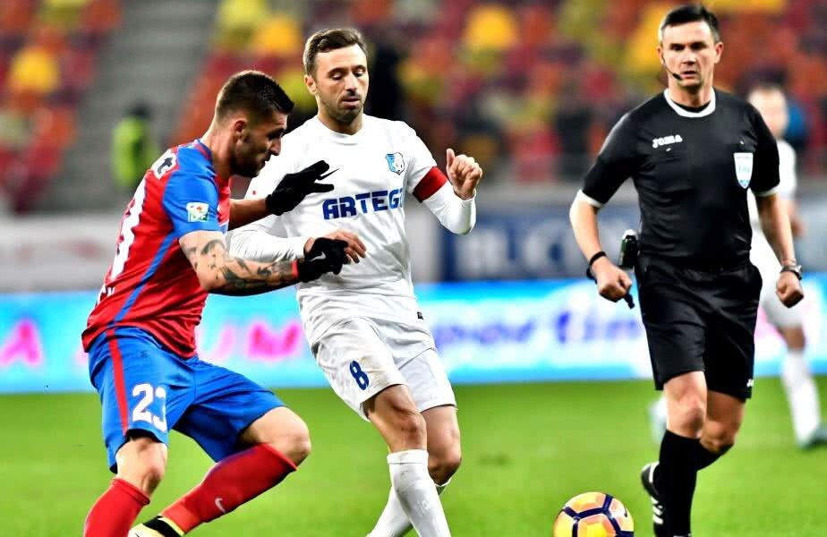 În Liga 1, Sânmărtean a evoluat pentru Gloria Bistrița, FC Vaslui, FCSB și Pandurii